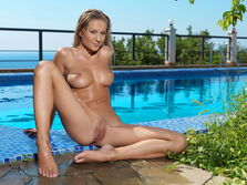 Candice B In Stenir By Leonardo - Picture 16