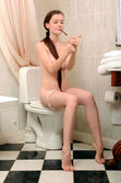 Emily Bloom In Samani By Fabrice - Picture 11